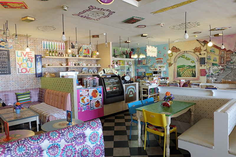 Chapters: A Book Cafe